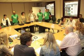 """Los docentes creen que el Govern quiere """"alargar innecesariamente las conversaciones"""""""