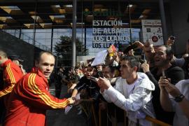 España, lista para cerrar la clasificación al Mundial en la noche de Iniesta