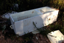 Localizados seis puntos de vertidos tóxicos diversos lugares del municipio de Eivissa