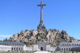 El PSOE pide exhumar los restos de Franco del Valle de los Caídos