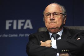 Blatter pide disculpas a Cristiano, al Real Madrid y al fútbol portugués