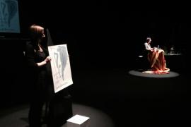 Una alumna de la UIB compra el Joan Miró: «Me temblaba la mano al firmar»