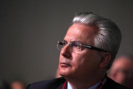 Garzón y otras personalidades se ofrecen al PSOE para «derrotar a la derecha»