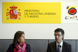 Soria prevé en la WTM «un año récord para el turismo» en España