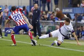 Un triunfo plácido clasifica al Atlético como líder de grupo (4-0)