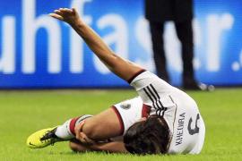 Khedira se lesiona la rodilla y podría perderse el Mundial