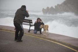 El mal tiempo se queda en Balears, que continúa en alerta por viento y lluvia