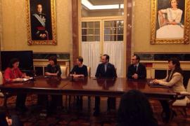 Los grupos parlamentarios firman el Pacto por la Infancia  para velar por los derechos de los niños