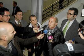 UGT y Bravo ratifican ante el juez la querella contra el president Bauzá