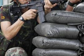 El Gobierno tailandés rechaza el diálogo y toma partido por la línea más dura