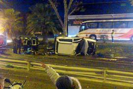Herido el conductor de un vehículo que se estrelló contra un árbol frente a Fita