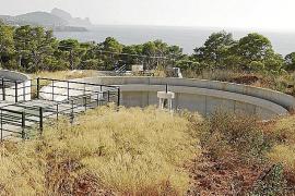 El Govern garantiza que habrá dinero para la depuradora de Cala Tarida en 2014