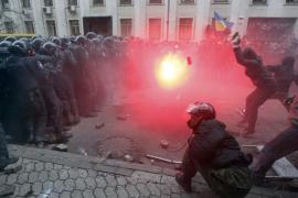 La oposición ucraniana toma Kiev para exigir la renuncia del presidente