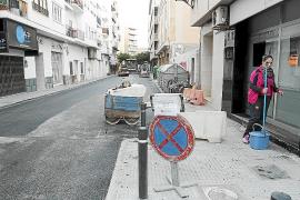 Vila defiende el nuevo asfaltado de Juan de Austria porque estaba «muy deteriorado»