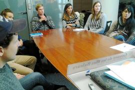 Los docentes piden que se amplíen el número de horas de auxiliares lingüísticos