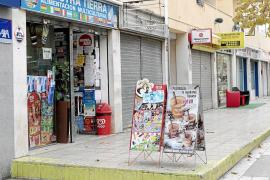 Intervenidos 30 kilos de productos de alimentación caducados en una tienda de Vila