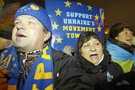 Putin socorre a Kiev con un préstamo de 11.000 millones y le abarata el gas