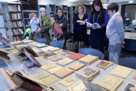 La familia de Antoni Albert i Nieto entrega al Arxiu Històric de Vila la biblioteca del maestro