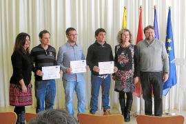 Sant Josep premia a los tres mejores universitarios del municipio