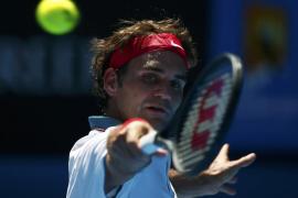 Federer derrota en tres sets a Duckworth en el Abierto de Australia