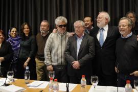 Tres Nobel y más de 200 representantes de la cultura piden al Rey que interceda por Haidar