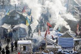 Yanukóvich cede a las presiones y promete que reformará el Gobierno