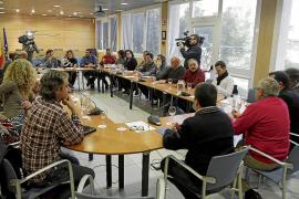 Los alcaldes exigen a Bauzá por unanimidad que modifique el 'decretazo' de símbolos