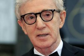 Woody Allen niega las acusaciones de abuso de su hija y acusa a Mia Farrow de inventarlas