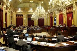 El Parlament insta al Govern a exigir la paralización de las prospecciones