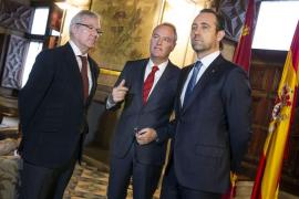 """Un consejero extremeño llama """"los tres tenores"""" a Bauzá, Fabra y Valcárcel"""