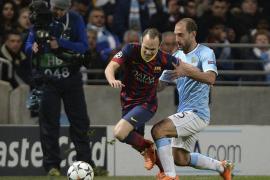 El Barça pone un pie en cuartos (0-2)