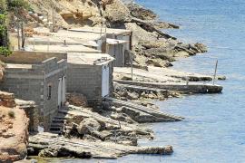 Seis meses de prisión por reformar ilegalmente una caseta varadero en Port Roig