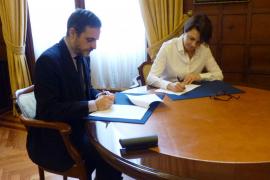 El Parlament publicará sus contratos en internet