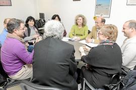 Neus Marí anuncia a los vecinos que la conexión de Sant Jordi a la desaladora de Vila se hará este año