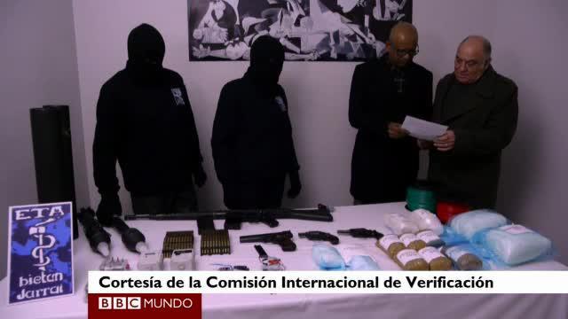 ETA anuncia que deja fuera de uso parte de su arsenal