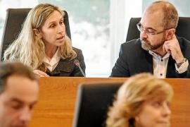 El Consell acusa a los progresistas de contratar sin concurso 170.000 euros a la misma empresa