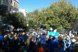 Miles de personas se concentran en Eivissa para decir no a los sondeos petrolíferos