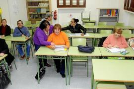 La Escuela de Adultos reclama más coordinación entre las instituciones