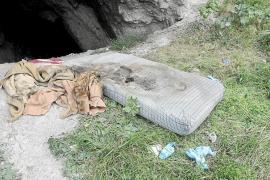 Los bomberos encuentran el cadáver de un hombre en una cueva de Ramon Muntaner