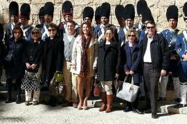 visita de la Liga Naval de Balears al cambio de guardia de l'Almudaina