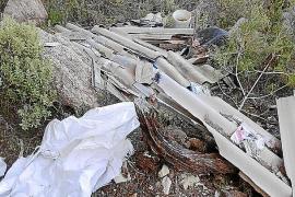 PSOE-Pacte de Santa Eulalia denuncia la aparición de residuos en una ruta turística