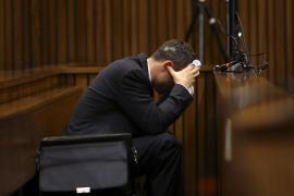 Pistorius vomita en el tribunal durante el testimonio del forense