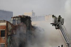 Dos muertos, 22 heridos y 12 desaparecidos en un derrumbe en Nueva York