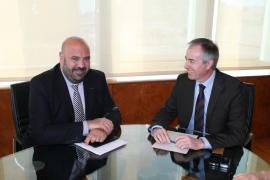 Turisme elabora la ponencia para traspasar la promoción a los consells insulars