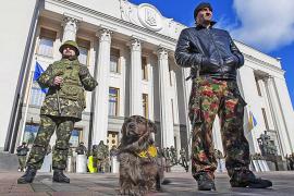 La UE y EEUU imponen leves sanciones a Rusia y Crimea