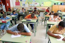 El Consell Escolar propone dar más horas de catalán en la aplicación del TIL
