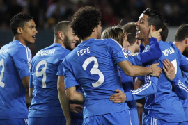 El Madrid se aleja del liderato tras caer en Sevilla (2-1)