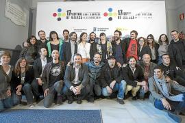 Foto de familia de los premiados en el Festival de Málaga.