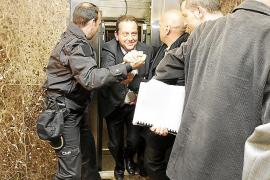 Fiscales atrapados en el ascensor del Juzgado
