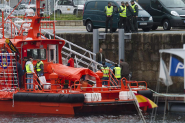 Tres pescadores muertos y dos desaparecidos en elchoque de dos barcos cerca de Vigo